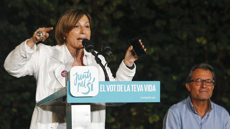 Carme Forcadell, durante su intervención en el mitin de Junts pel Sí en Manresa. (EFE)