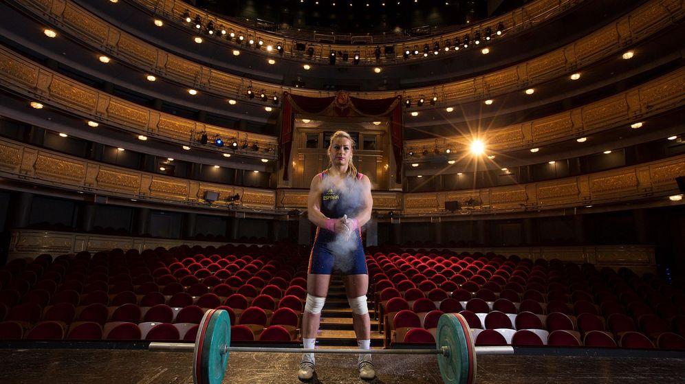Foto: Lydia Valentín posó así en el Teatro Real. (EFE)