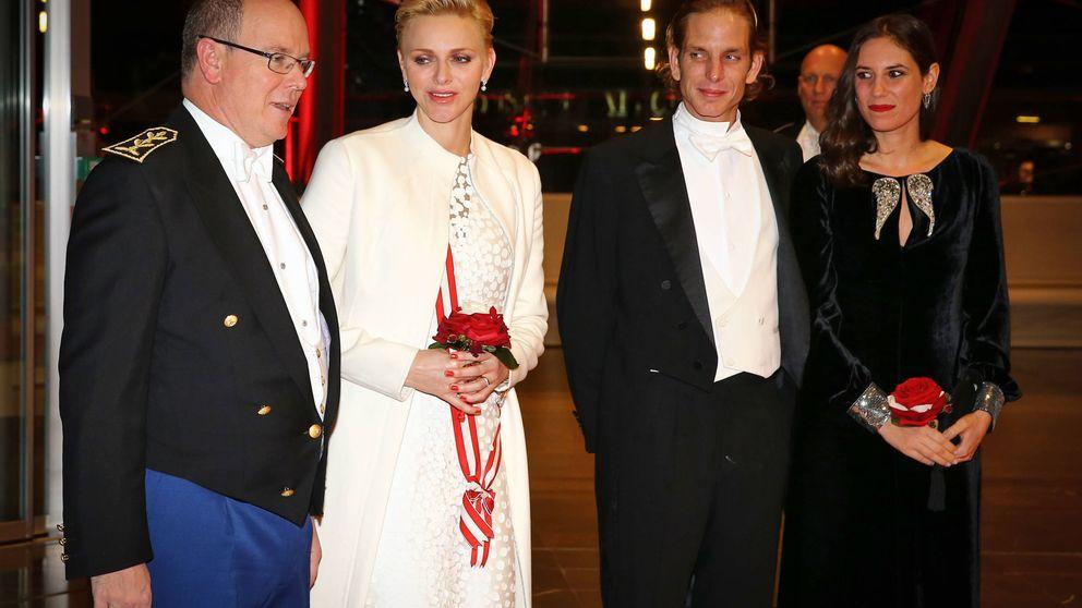 Los Grimaldi lucen sus mejores galas en la gran cena del Día de Mónaco