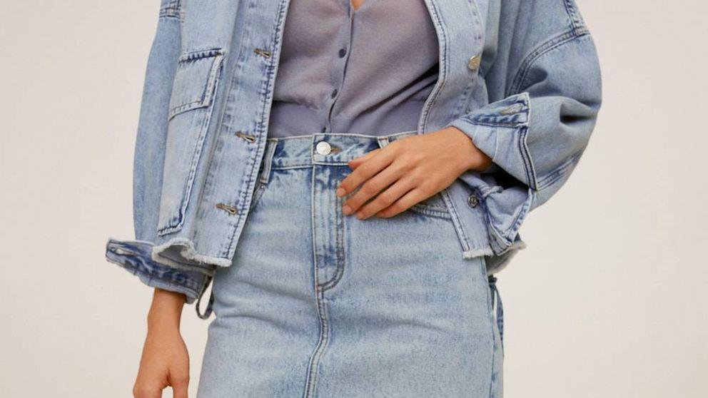 Esta falda vaquera de Mango sienta como un guante y queda perfecta con una blusa