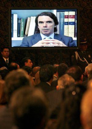 El Comité Organizador del Congreso relega a Aznar a un segundo plano