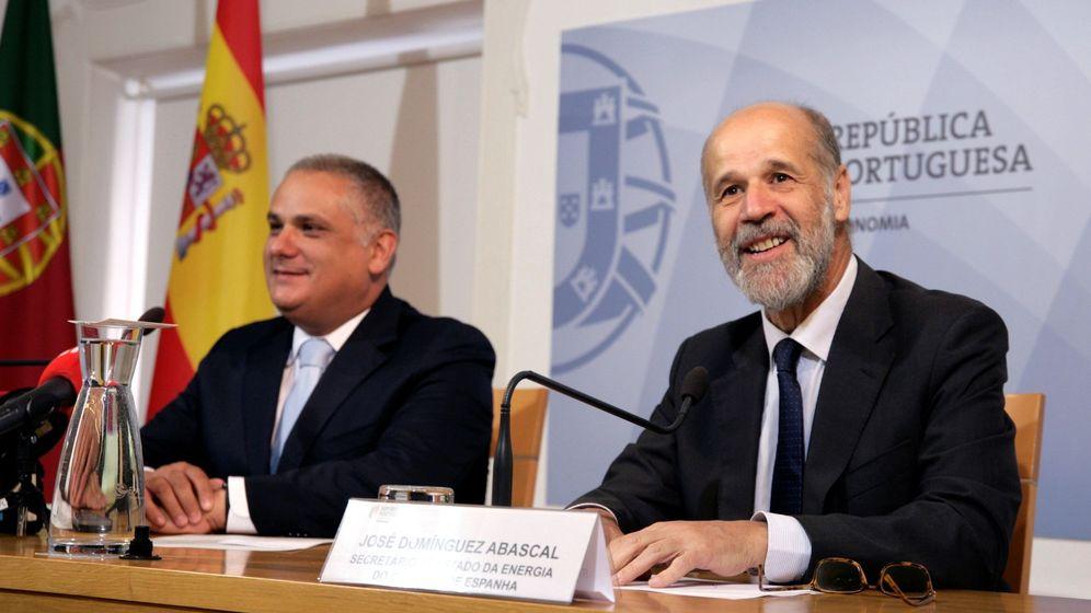 Foto: El secretario de Estado de Energía, José Domínguez Abascal (d). (EFE)