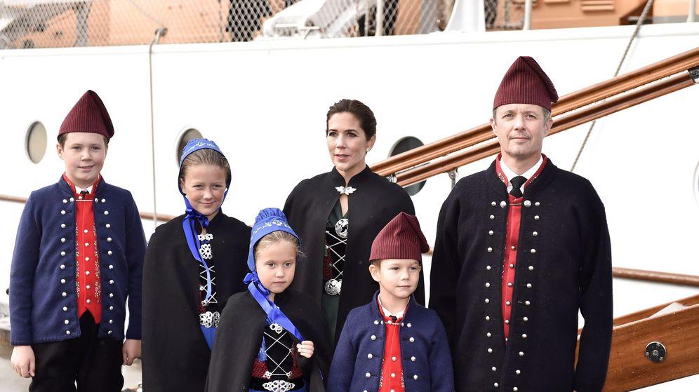 Foto: Los príncipes de Dinamarca visitan las islas Feroe. (EFE)