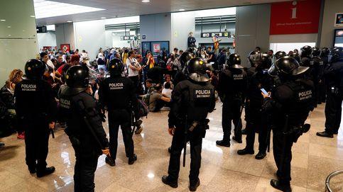 La sentencia del 'procés', en directo | Los Mossos cargan en el Aeropuerto
