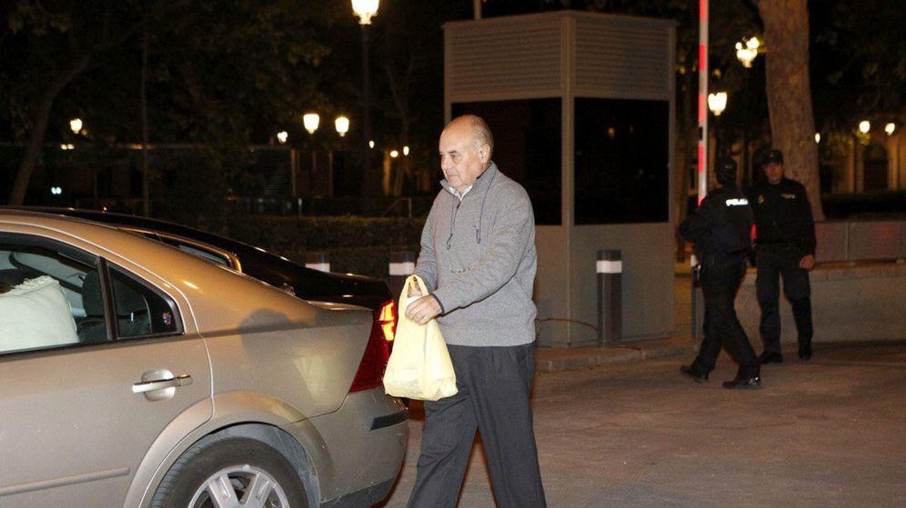 Foto: José Martínez Nicolás, a su salida de la Audiencia Nacional. (EFE)