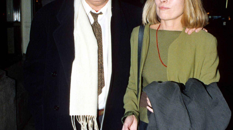 Bertolucci junto a su esposa. (Cordon Press)