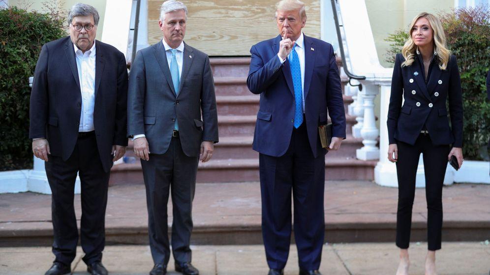 Foto: El presiente de EEUU, Donald Trump, junto a Robert O'Brien (a su derecha) en una foto de archivo (Reuters)
