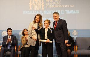 Catalina, 'la curranta': 63 años trabajando tienen premio