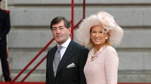 Alfonso Cortina, en la crónica social: de la boda de Felipe y Letizia a Isabel Preysler