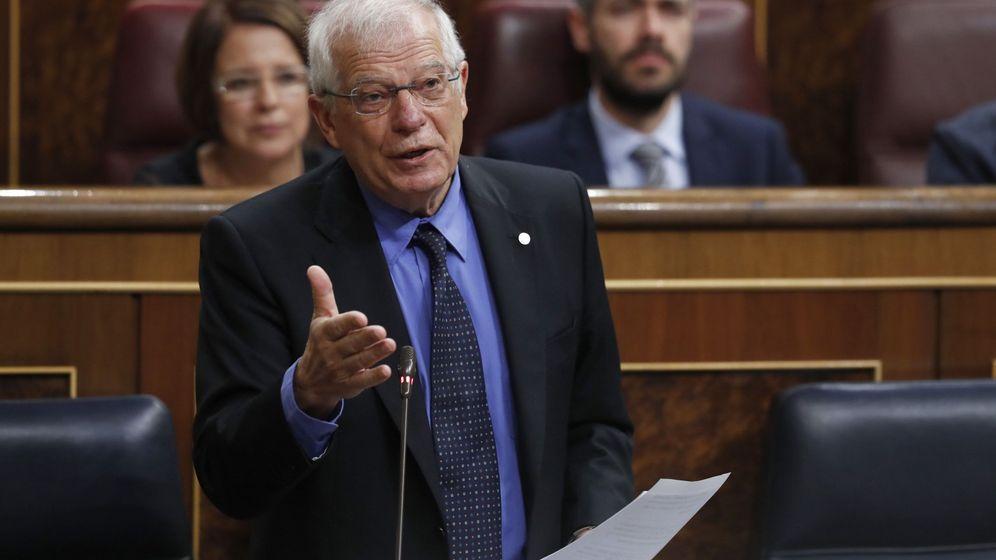 Foto: El ministro de Exteriores, Josep Borrell, en el Congreso de los Diputados. (EFE)