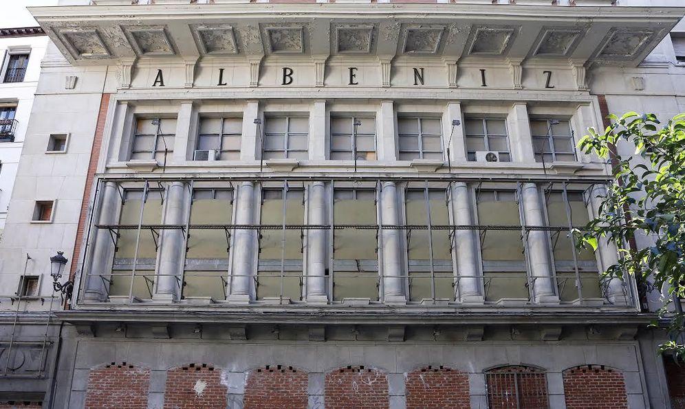 Foto: Fachada del Teatro Albéniz.