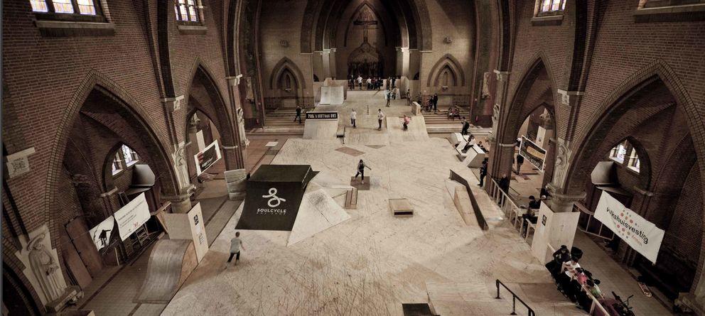 Bares, pistas de patinaje... Las iglesias en los Países Bajos tienen nuevos usos curiosos
