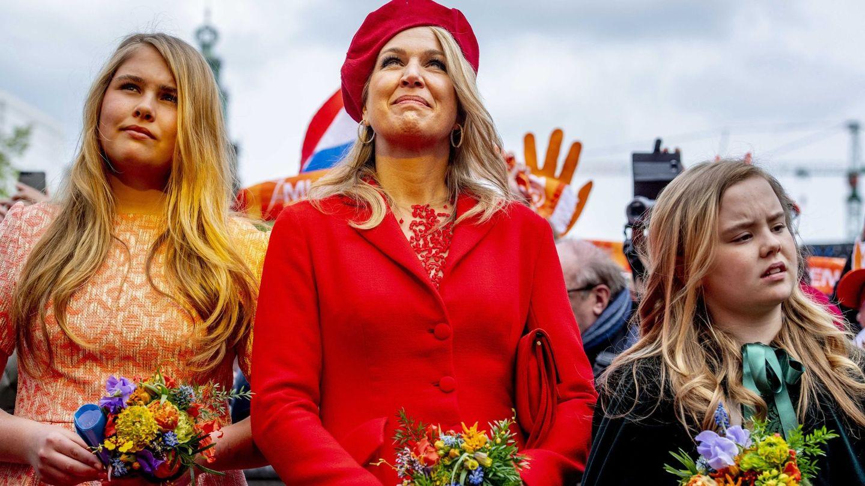 Máxima, con sus hijas Amalia y Alexia. (EFE)