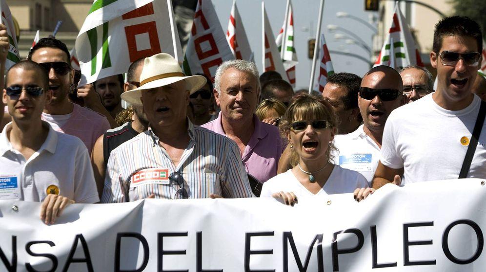 Foto: Los empleados de Isofotón vuelven a la guerra contra la Junta y los Bergé