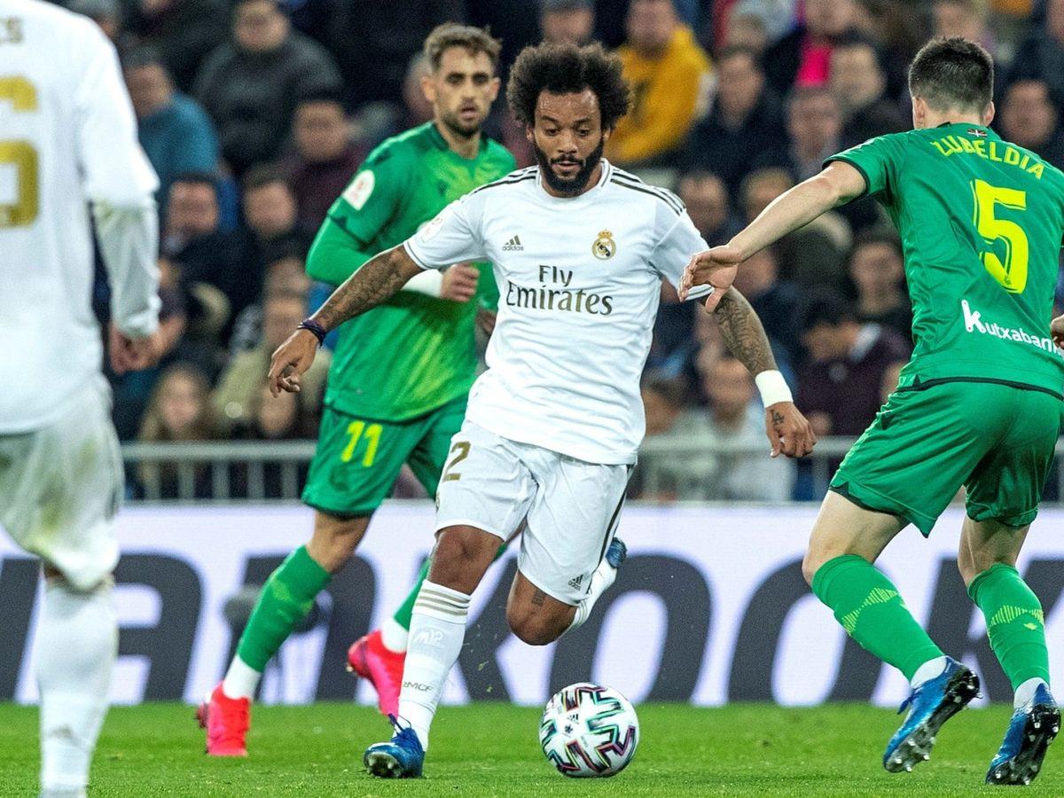 Foto: Marcelo, en una acción del partido contra la Real Sociedad. (EFE)