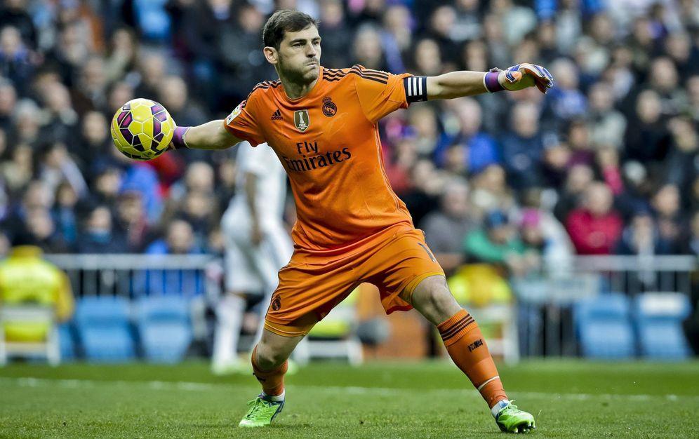 Foto: Iker Casillas, en un partido con el Real Madrid (Efe)