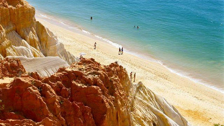 La playa de Falésia (Foto: Turismo del Algarve)