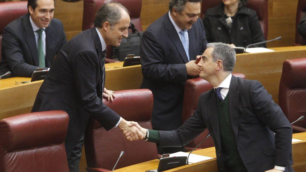 Foto: Francisco Camps y Ricardos Costa, en una imagen de archivo en las Cortes Valencianas.