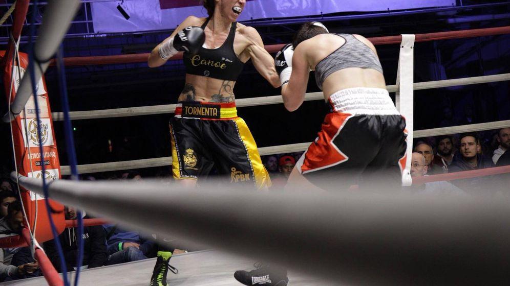 Foto: Jennifer Miranda en su 1-0 como profesional. (@Jenn_boxing)