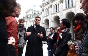 Sánchez reúne a su 'ministerio de Sanidad en la sombra' para seguir la crisis del ébola