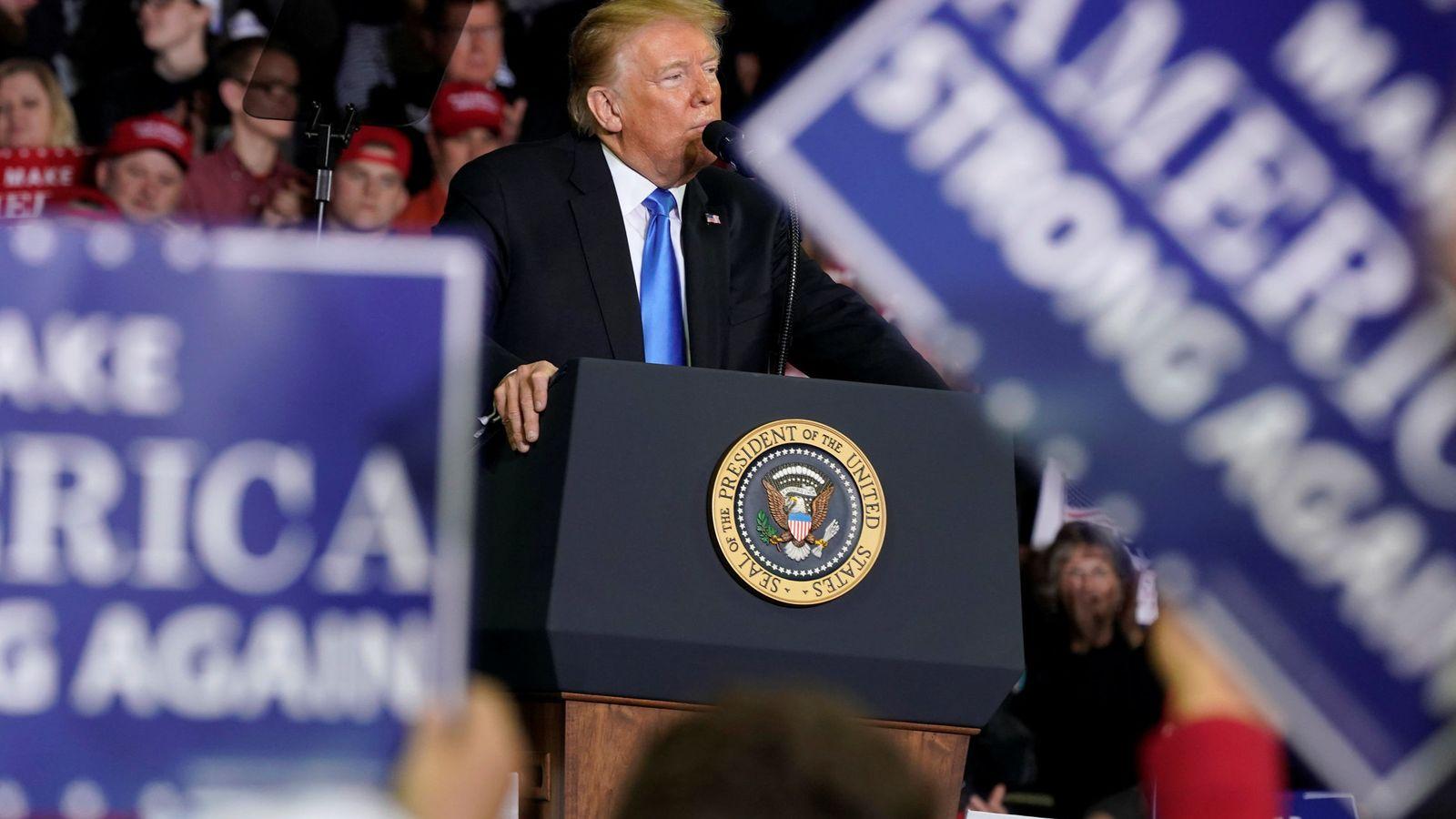 Foto: Trump, en uno de sus mítines por Estados Unidos (Reuters/Joshua Roberts)