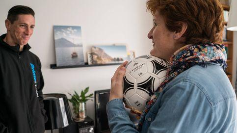 Fernando Torres, repartidor por un día de Amazon con una entrega sorpresa