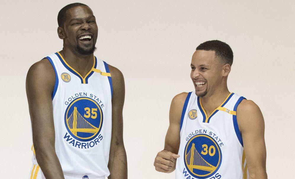 Foto: Una de las historias de la temporada: Durant y Curry en los Warriors (Kyle Terada/USA TODAY Sports)