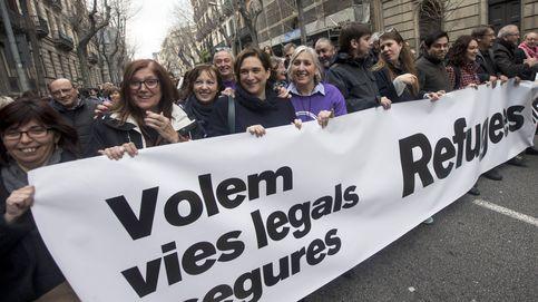 Colau ofrece Barcelona a mil migrantes a la deriva en plena guerra contra las ONG