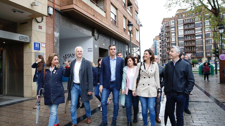 Sánchez cede a la presión y rectifica: irá al debate de RTVE el 22 y el 23 al de Atresmedia
