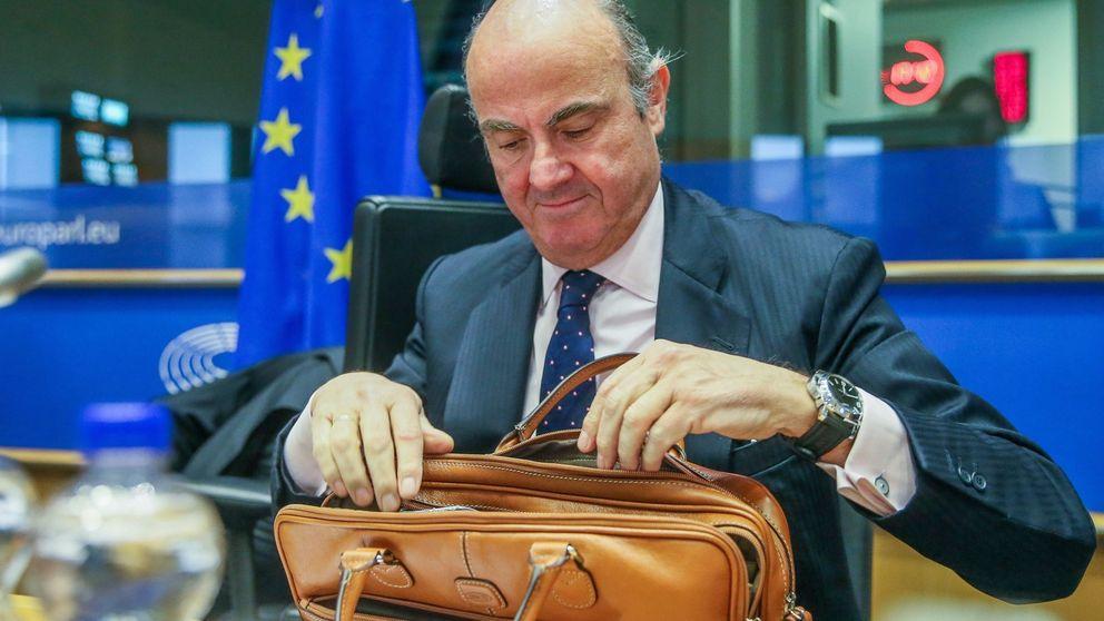 De Guindos, de paseíllo por la temida Eurocámara