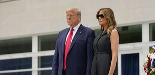 Post de La forzadísima sonrisa de Melania Trump que ha dado la vuelta al mundo