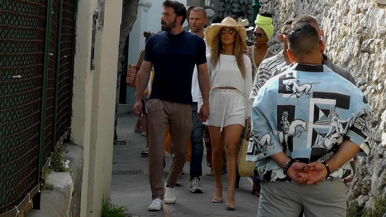 Jennifer Lopez y Ben Affleck, en Capri. (EFE)