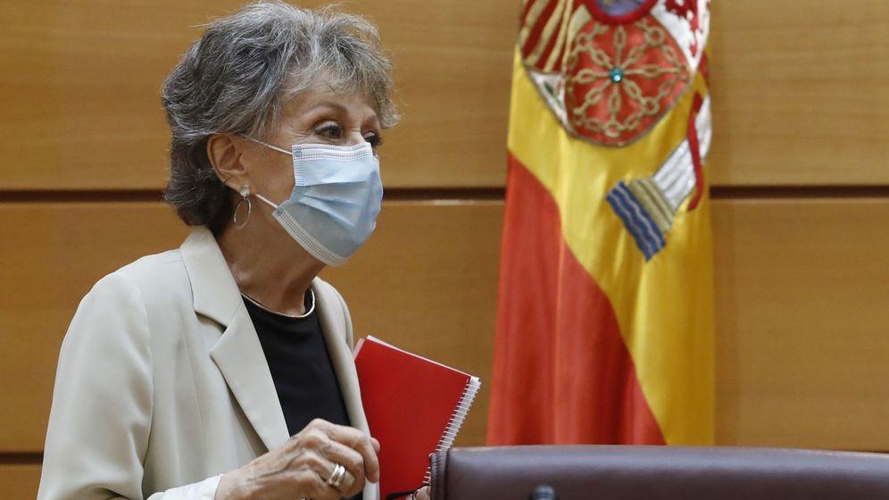 Foto: La administradora provisional única de RTVE, Rosa María Mateo, comparece ante la comisión mixta de control parlamentario de la corporación pública. (EFE)