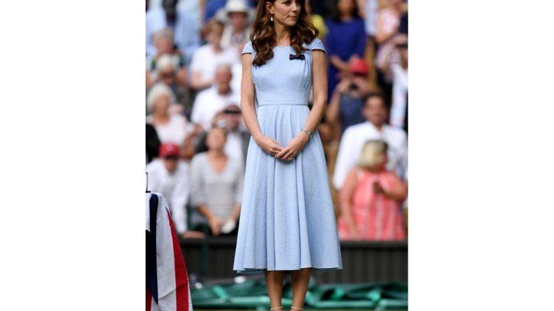 Kate Middleton con el vestido que llevó el día de la final de Wimbledon 2019. (Getty)