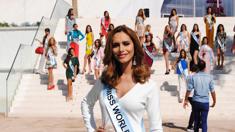 Foto: Ángela Ponce posa junto a sus compañeras de Miss World Spain en Estepona