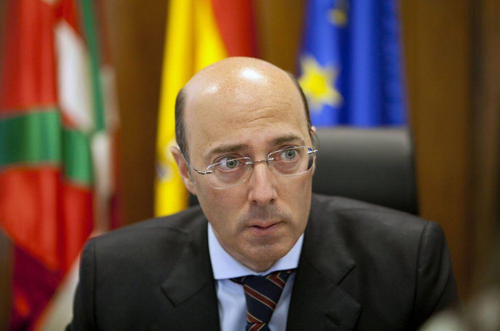 Foto: Carlos Urquijo durante su etapa como delegado del Gobierno. (EFE)