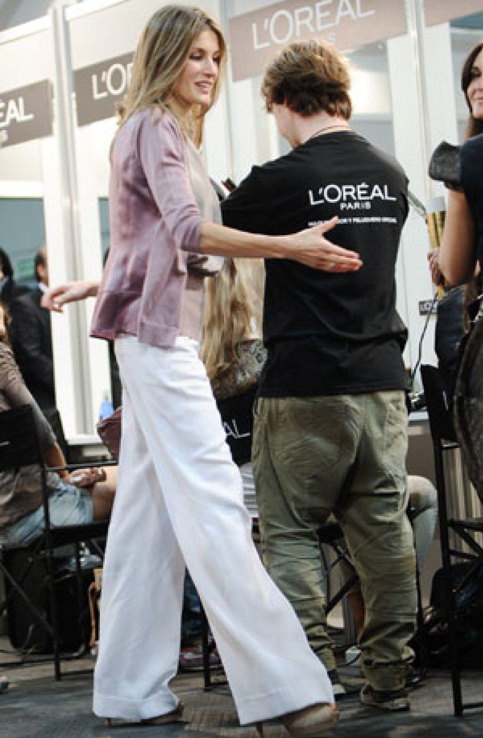 Foto: La princesa Letizia huye de los logotipos en su visita a Cibeles