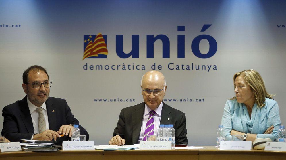 Foto: El secretario general de Unió, Ramon Espadaler, el líder de la formación, Duran i Lleida, y la dirigente Joana Ortega. (EFE)
