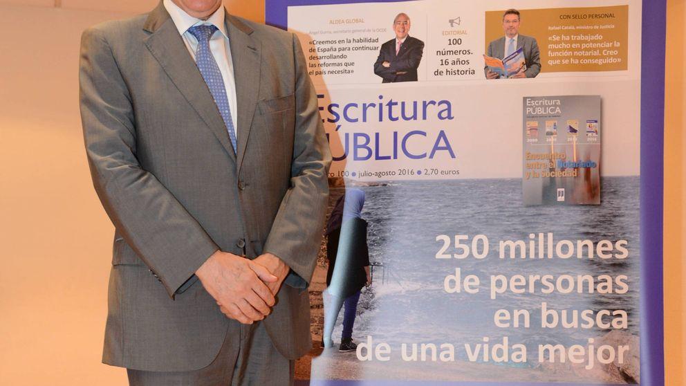 Los notarios celebran el número 100 de 'Escritura Pública'