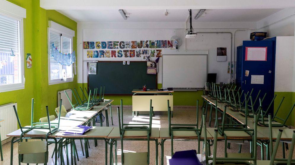 Foto: Un aula vacía en Murcia. (EFE)