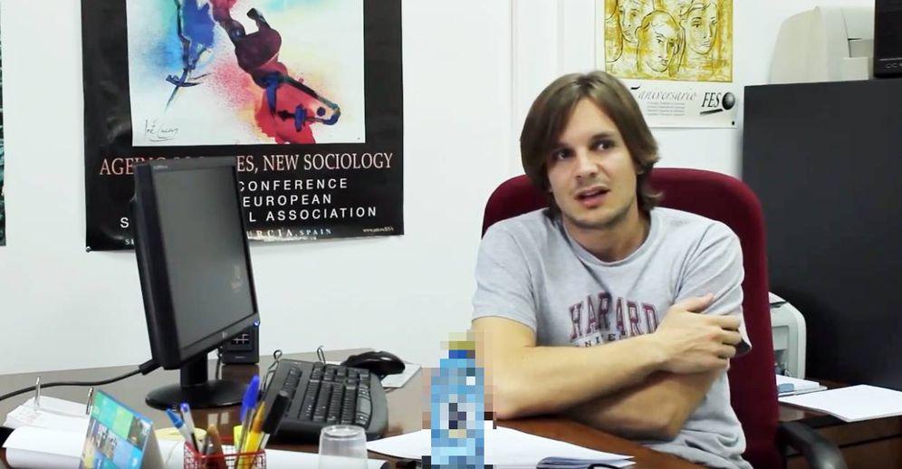 Foto:  Andrés Villena, durante una entrevista. (Youtube)