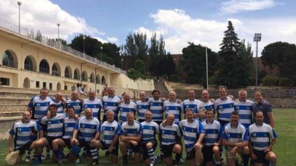 Foto: Foto del equipo de veteranos del CEU en el que jugaba el fallecido. (Foto: Madrid Seven's)