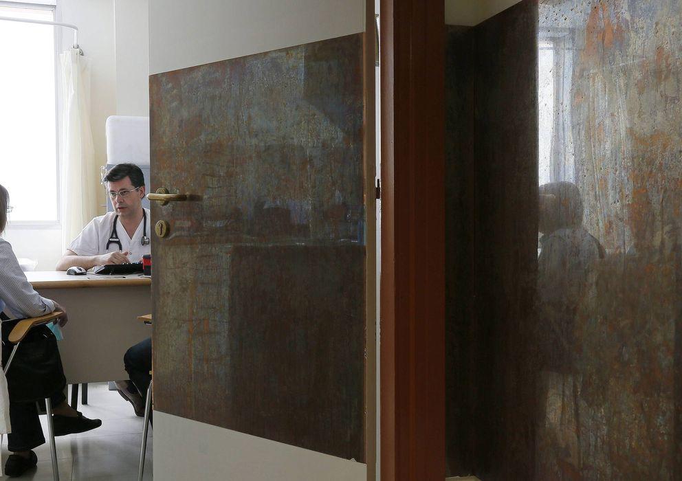 Foto: En Cataluña, uno de cada cinco pacientes debe esperar más de una semana para ser visto por su médico. (Efe/Susanna Sáez)