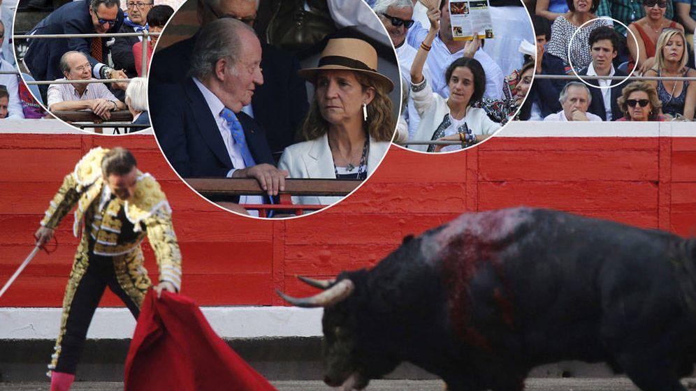 Foto: La infanta Elena, Don Juan Carlos, Marichalar, Froilán y Victoria disfrutando de los toros (Gtres)