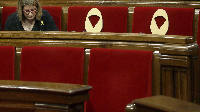 La líder de JxCAT, Elsa Artadi, durante un pleno del Parlament. (EFE)