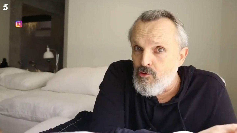 Miguel Bosé, en uno de sus vídeos. (Mediaset)