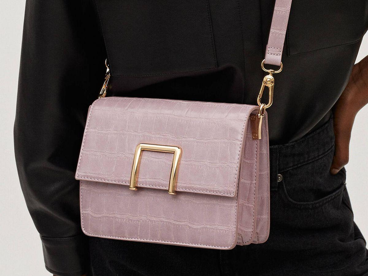 Foto: Bolso color violeta de Parfois. (Cortesía)