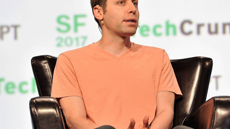 El multimillonario Sam Altman dirige la aceleradora Y Combinator y defiende la renta básica universal (Foto: TechCrunch | Flickr)