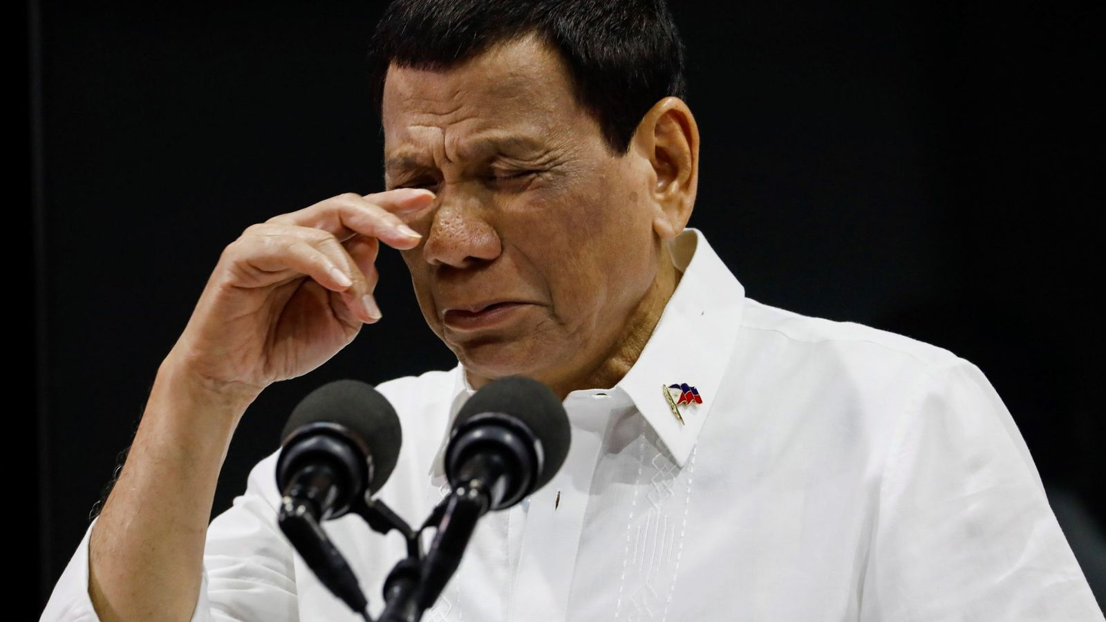 Foto: Rodirgo Duterte en un acto de homenaje a trabajadores estatales. (Reuters)