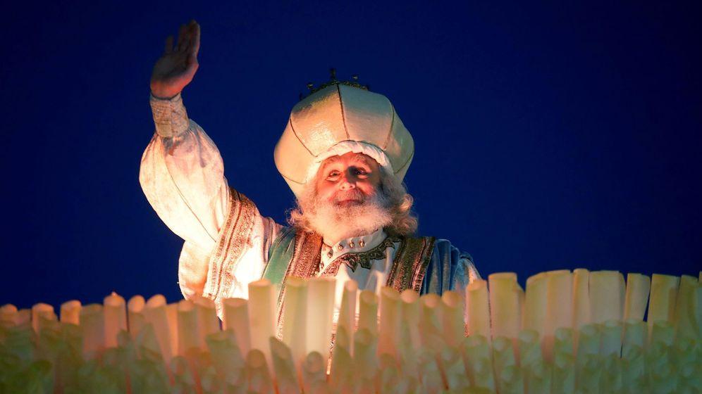 Foto: El saludo de Melchor en la Cabalgata de los Reyes Magos en Madrid